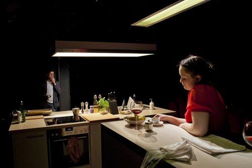 ATMEN von Duncan Macmillan / Theater Erlangen