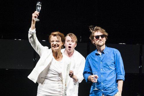 X-FREUNDE von Felicia Zeller / Schleswig-Holsteinisches Landestheater